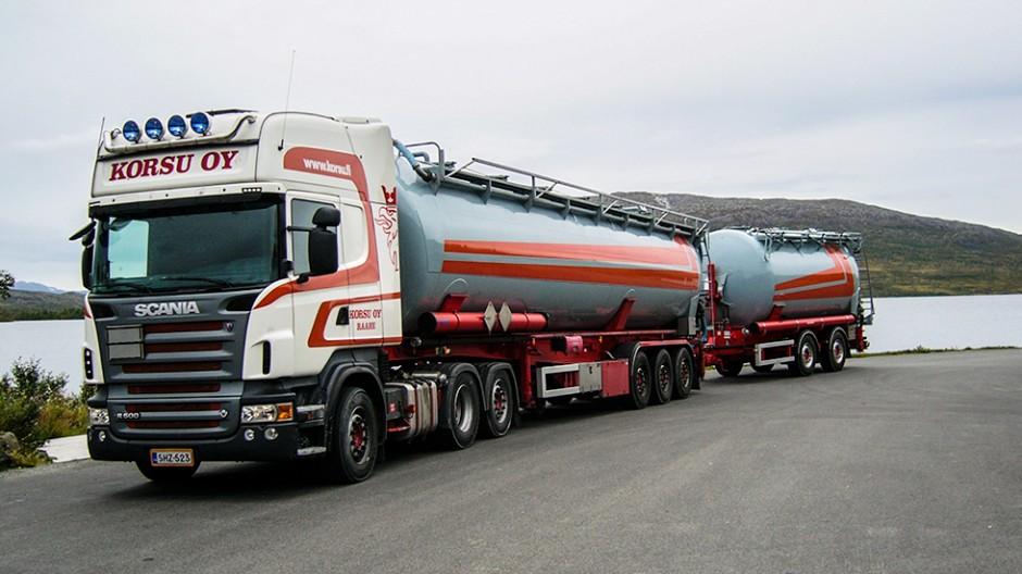 Tank transports